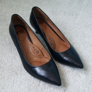 SOFFT since 1927 Black Leather Pointed Heels